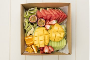 seasonal-fruit-salad-box